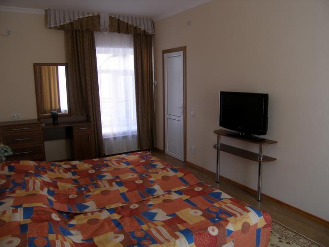 Санаторий им. Пирогова, Саки. 4-комнатные 2-местные Апартаменты