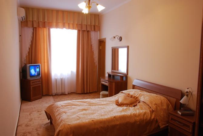 1-комнатный 1-местный номер, корпус № 95/1. Санаторий им. Пирогова. Саки