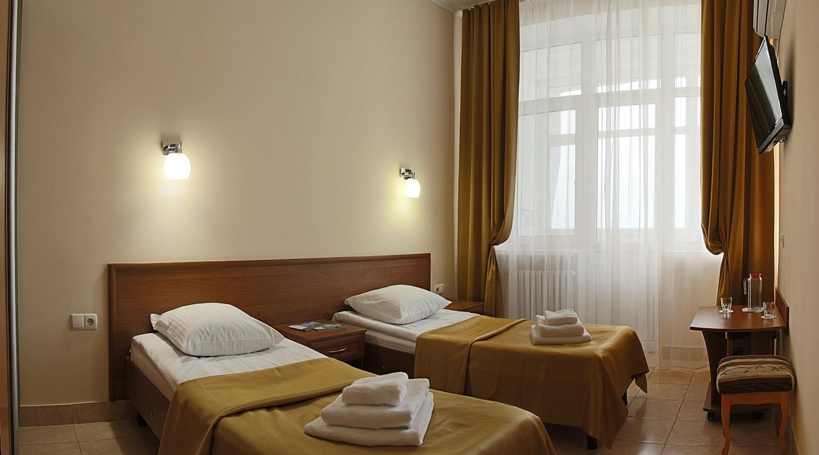 1-комнатный 2-местный номер СТАНДАРТ I категории (три звезды), корпус № 95/1 (Центральный 9-этажный). Санаторий им. Пирогова. Саки