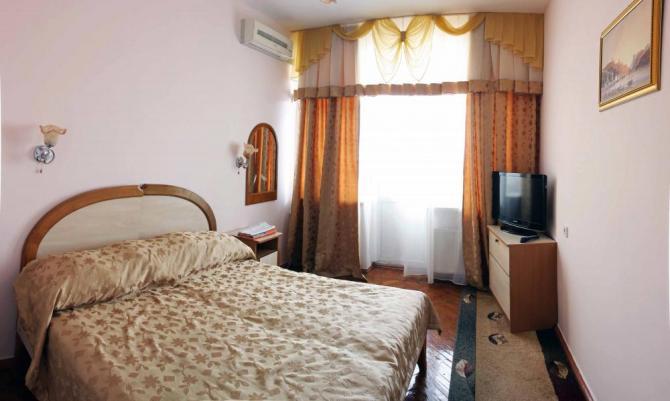 Санаторий им. Пирогова, Саки. 2-комнатный 2-местный Люкс, малый
