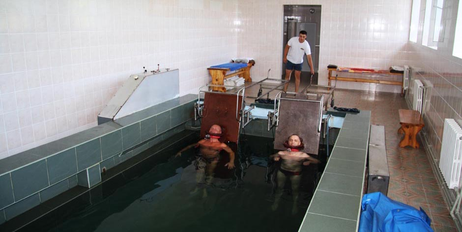 Санаторий им. Пирогова, Саки. Подводное вытяжение позвоночника